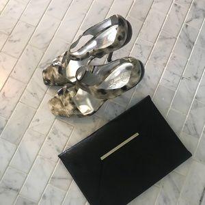 Jessica Simpson leopard print sandal heel